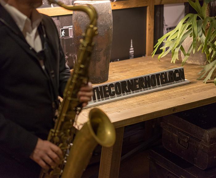 The Corner Hotel - Música